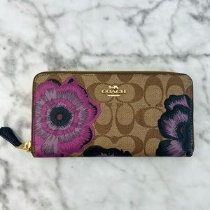 Coach Accordion Zip Wallet In Signature Canvas With Kaffe Fassett Print